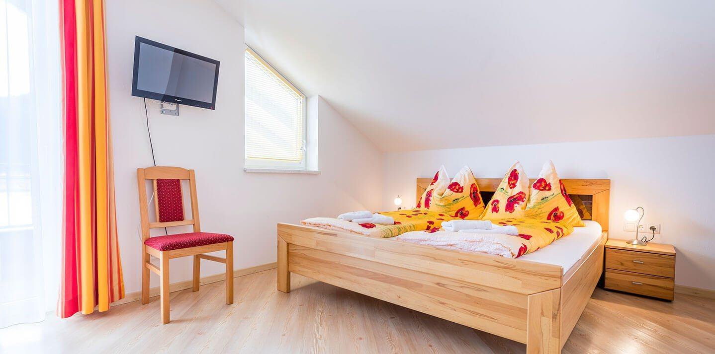 komfortables appartement in flachau f r 2 6 personen mit 2 balkonen. Black Bedroom Furniture Sets. Home Design Ideas