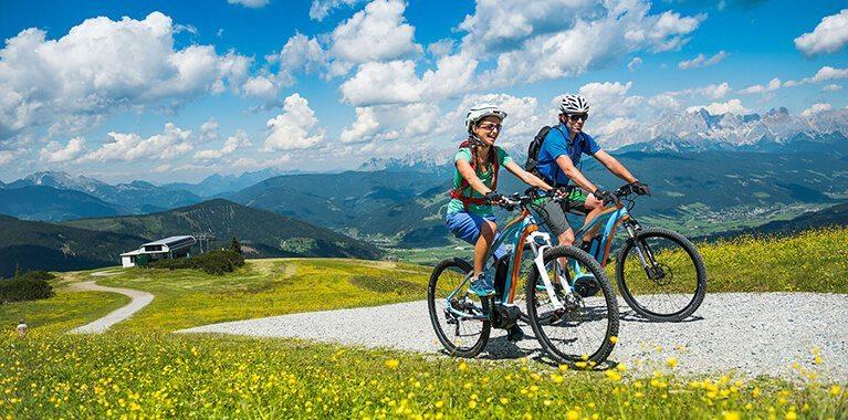 E-Biken im Sommerurlaub in Flachau